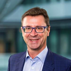 Dr. Lars Olboeter, CEO of <a href='https://www.b-rightsource.com/index.php/en/' rel='nofollow' target='_blank' style='color:blue !important'>b-rightsource GmbH</a>, ServiceNow Premier Partner