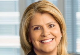 Elizabeth Hackenson, CIO & Senior Vice President of Global Business Services, AES