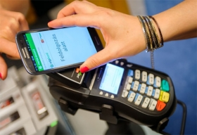 Forget Carrying Credit Cards, Pay through Samsung Pay Instea