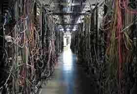 Dealing With Data Center Cable Management Issues? Try These Best Practices