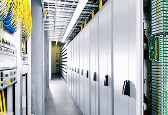 Efficient Data Management through Cloud and Fiber Optics