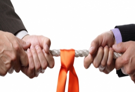 VMware and AWS in A Tug of War to Conquer Clouds