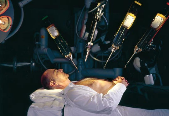 Google Inks Deal with J&J to Make Robotic Assistants for Surgery