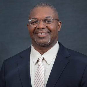 Earl Newsome, Global CIO & VP, Praxair Inc.